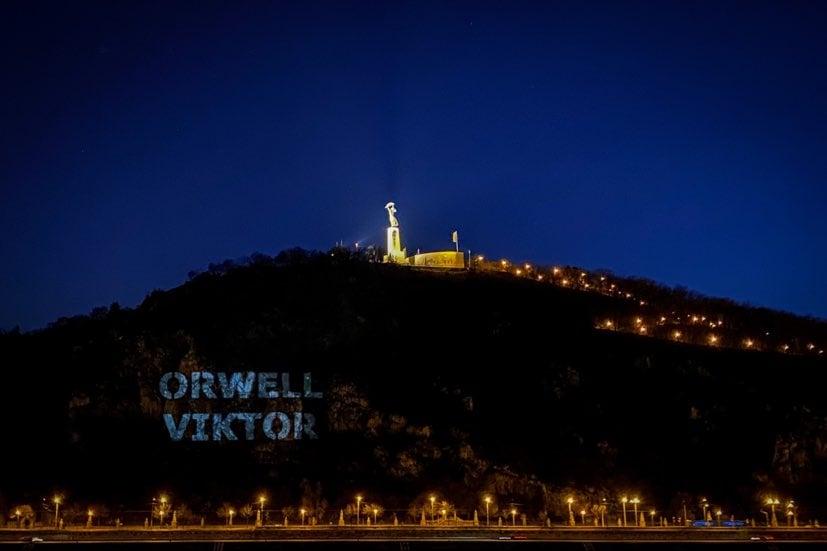 Orwell? Viktor!